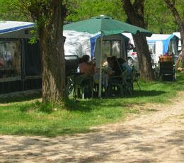 Les marronniers de l'été (3) : ambiance camping