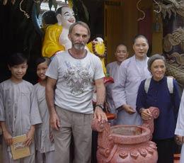 Ch'tis d'ailleurs : Marc De Muynck, artisan des Enfants du Dragon au Vietnam