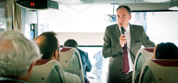 Journalistes embarqués : en visite de presse dans le tourbus du maire de Tourcoing