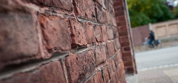 Le petit dictionnaire décalé du Nord – Pas-de-Calais : la brique