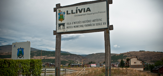 Le long de nos frontières disparues (16/20) : Llívia, l'enclave espagnole de France