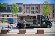 """Nouvelles bouffes (1) : reportage dans un food truck, le nouvel """"eldorado"""" de la métropole"""