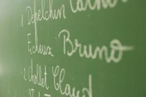 Dans cette école de Flandre, les résultats seront indiqués à la craie. Logique.