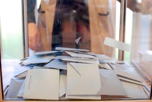 bureau-vote4