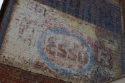 Des murs peints publicitaires à nous indiquer ?