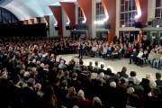 Meeting pro-Fillon, à Marcq-En-Baroeul : un Xavier Bertrand entre la région et la France