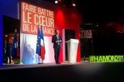 Benoit Hamon à Lille : seul contre tous mais chef de famille quand même