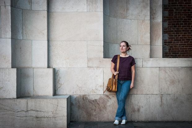Justine Defrance, La Prof qui enseigne – aussi – l'histoire sur YouTube