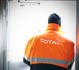 La raffinerie de la colère : portraits des employés de Total, deux ans après (1/3)