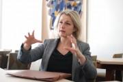 """Barbara Pompili : """"le canal Seine-Nord est une forme de pensée unique"""""""