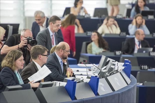 Martin Schulz ouvrant la séance plénière, laquelle n'est que la partie émergée de la machine européenne. © European Union 2015 - European Parliament